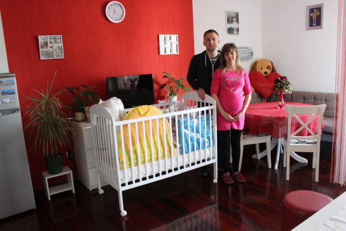 Još četiri obitelji primile vrijednu opremu za prvo dijete