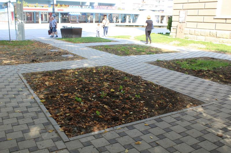 Uskoro nove klupe u novouređenom parku kod Strojarskog fakultet