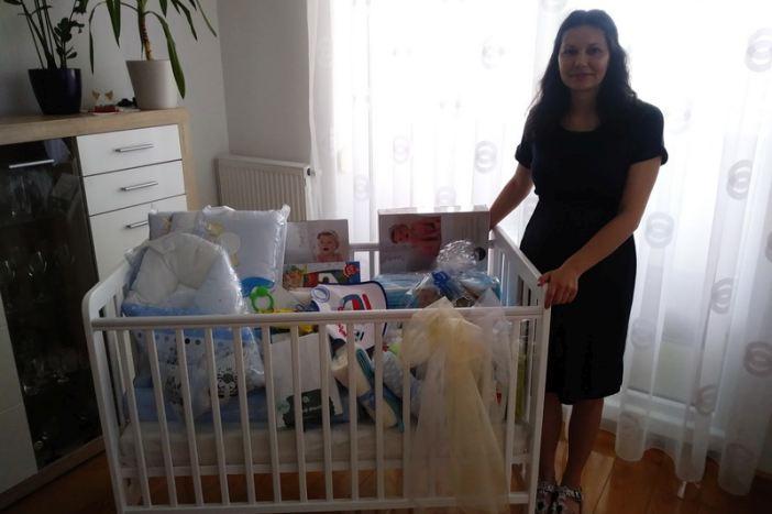 Nova pronatalitetna mjera Grada; još pet mladih obitelji dobilo opremu za prvorođeno dijete