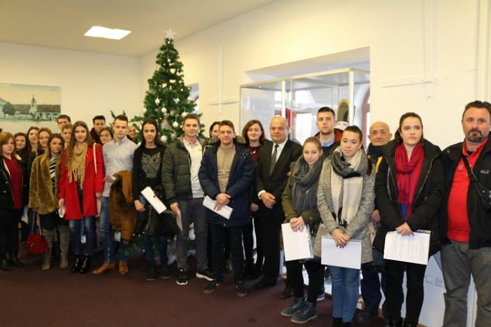Grad u akademskoj godini 2016./2017. dodjeljuje 25 novih stipendija