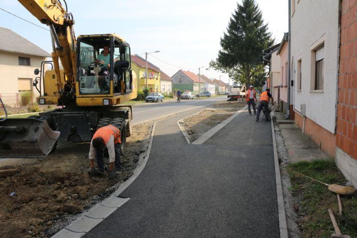 Asfaltirana nova pješačka i biciklistička staza u Ulici sv. Lovre