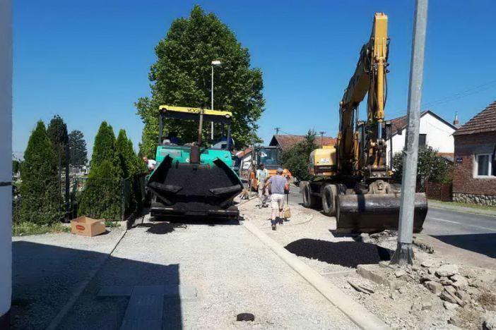 Započelo asfaltiranje pješačke staze u Ulici Sv. Lovre
