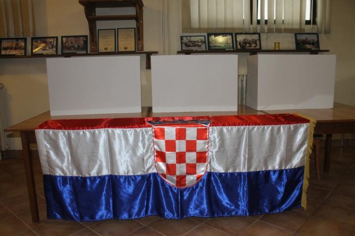 HDZ i prije izbora slavio u Cerniku, Donjim Andrijevcima i Vrpolju