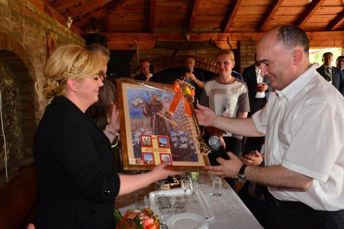 Predsjednica RH Kolinda Grabar Kitarović u župi Gornja Močila - Sijekovac