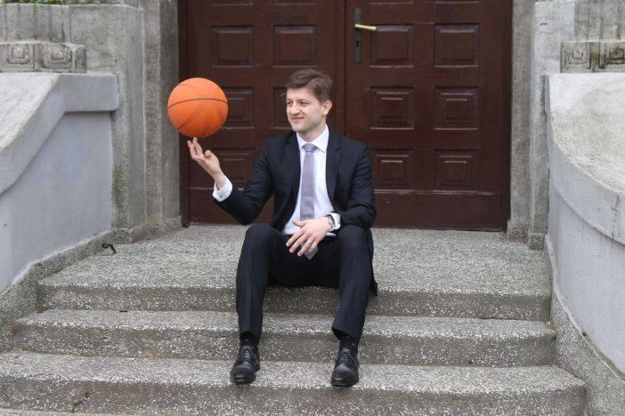 ZDRAVKO MARIĆ: Ministar financija u privatnom životu vrstan košarkaš i miljenik Brođana (2. dio)