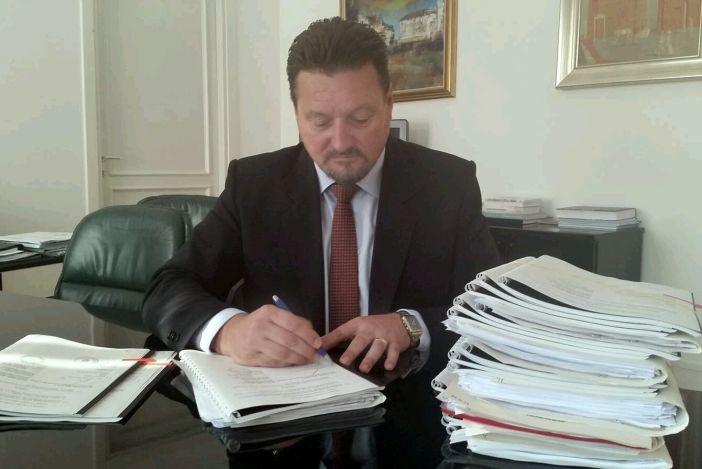 Kuščević uvodi plaćanje poreza i pristojbi karticama i na rate