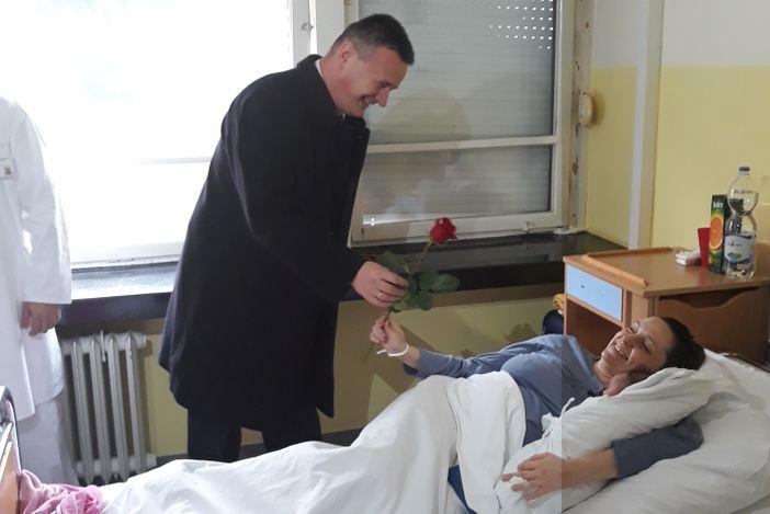 Župan Marušić posjetio rodilišta brodske i novogradiške bolnice