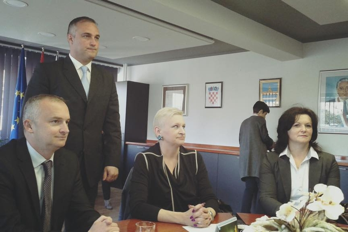 Vinko Grgić (SDP) i službeno preuzeo gradonačelnikovu fotelju u Novoj Gradiški