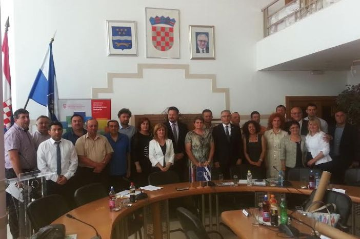 Ministar Kušćević: za razvojne projekte u Brodsko posavskoj županiji uložit ćemo 18 milijuna kuna u 2016 godini.
