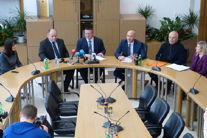 Zdravije u novu 2018. godinu - novih 7 milijuna kuna za županijske bolnice