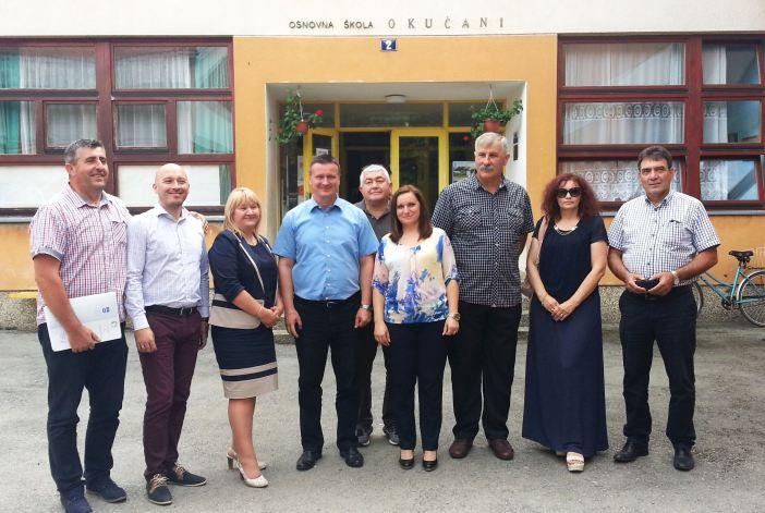 Potpisani ugovori, kreće energetska obnova škola u Starom Petrovom Selu, Novoj Gradiški i Okučanima