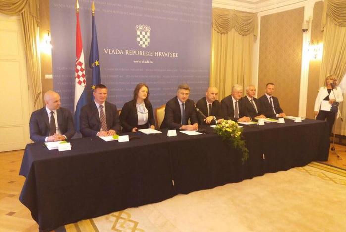 Potpisano 8 ugovora vrijednih 253 mil. kuna za javne sustave navodnjavanja