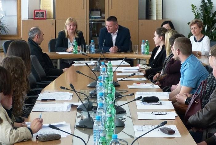 Potpisani ugovori za stipendiranje 31 studenta s područja Brodsko-posavske županije