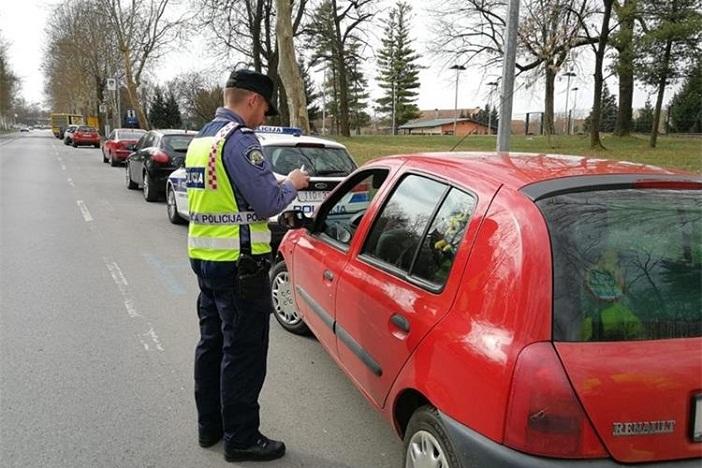 21-gdišnjak otuđio vozilo u Istri pa alkoholiziran uhvaćen u Novoj Gradiški