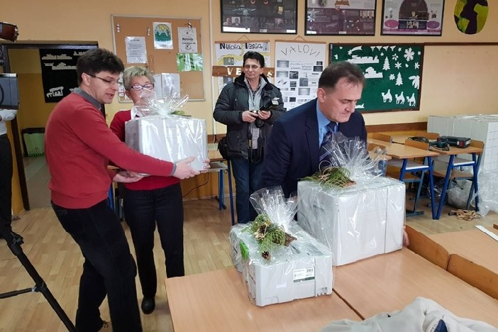 Brodsko-posavska županija donirala strojeve i opremu za potrebe stolarskog praktikuma Obrtničke škole