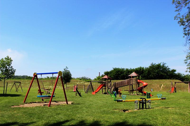 Kreću radovi na obnovi dječjih igrališta