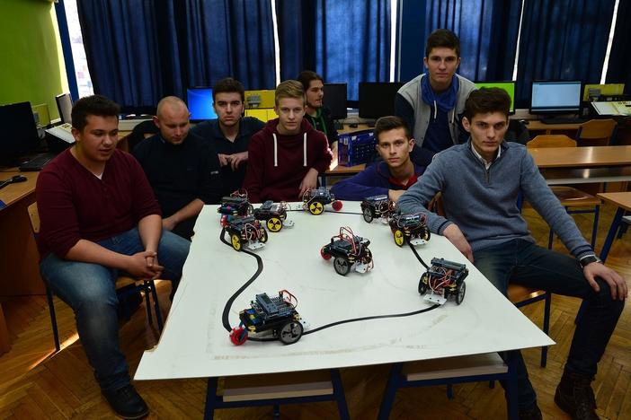 """Roboti """"nogometaši"""" u Tehničkoj školi Slavonski Brod"""
