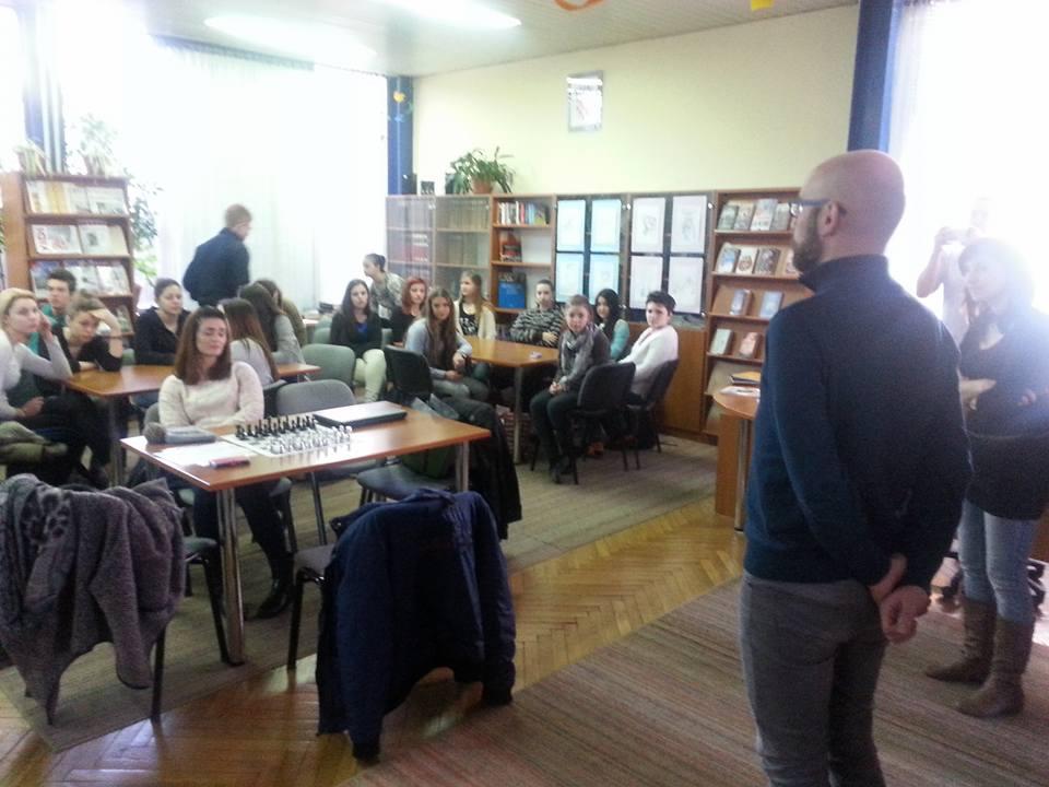 Volonterski centar SB educirao učenike Tehničke škole SB o volontiranju