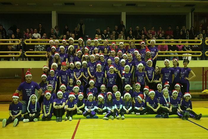 Održan tradicionalni božićni Top dance show