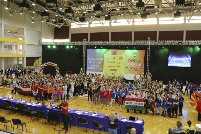 Mađarice slavile na Eropskom prvenstvu u akrobatskom rock'n'rollu za seniorske ženske formacije