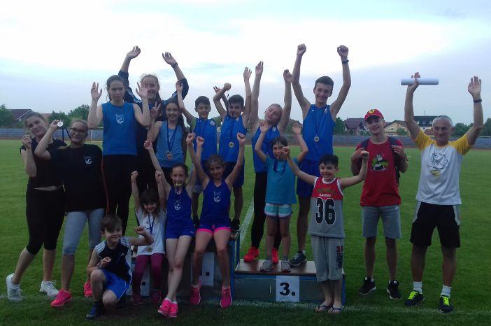 """15 medalja za AK """"Marsonia"""" na 7.atletskom mitingu """"Slavonski Brod 2017"""""""