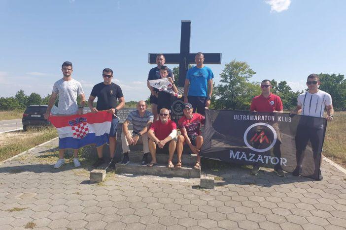 Nakon 55 sati, 'Mazatori' stigli na cilj memorijalnog ultramaratona Kašić - Slavonski Brod