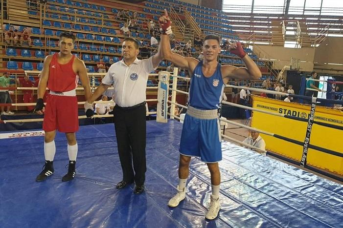 Gabrijel Veočić u polufinalu jakog međunarodnog boksačkog turnira u Subotici