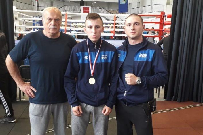 BOKS: Filip Poturović maestralno do prvaka Hrvatske u kategoriji do 60kg