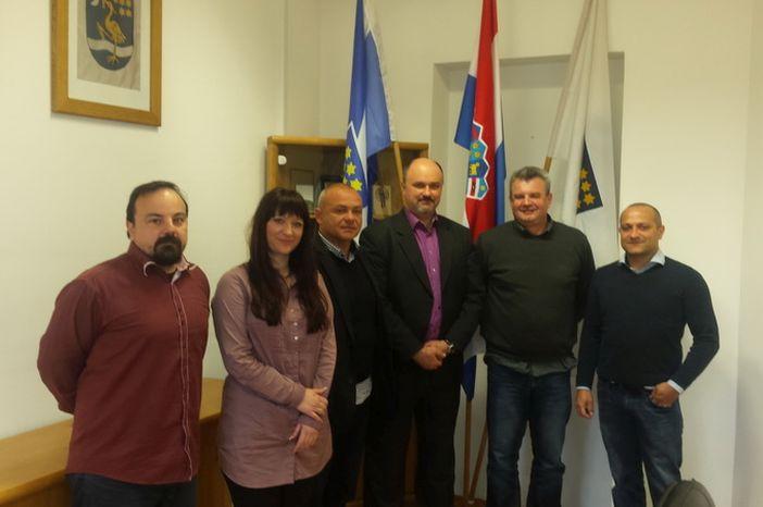 Grad i Boksački savez posredovali između brodskih klubova