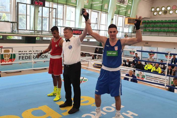 Gabrijel Veočić uvjerljivo slavio na jakom međunarodnom turniru u Bugarskoj!