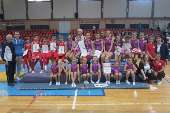Devet medalja za brodske gimnastičare na natjecanju u Požegi