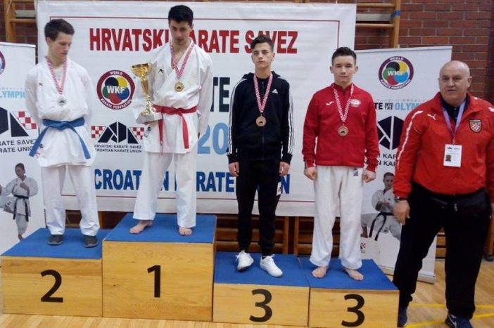 Tomislav studentski prvak Hrvatske, Borna treći senior Hrvatske
