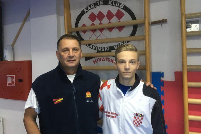 Mihael Ećimović nastupa na Svjetskom juniorskom prvenstvu u karateu