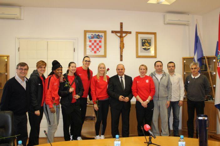 Hrvatska ženska košarkaška reprezentacije na prijemu u gradskoj upravi