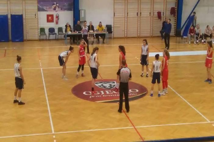 Na kraju prvog dijela prvenstva kadetkinja Slavonije i Baranje ŽKK Brod na Savi zauzeo 1.mjesto
