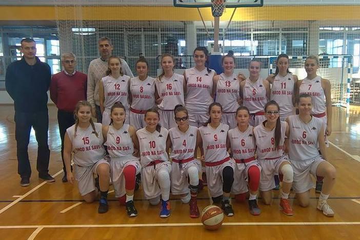 Kadetkinje ŽKK Brod na Savi u sedam utakmica ostvarile sedam pobjeda.