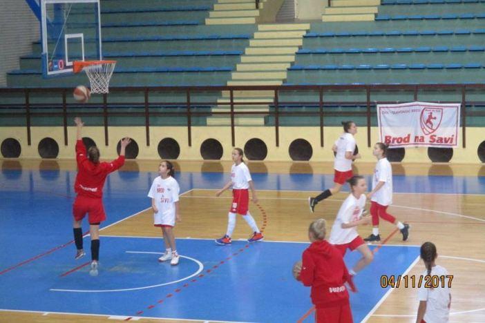 Brodske košarkašice uvjerljivo slavile u Borovu