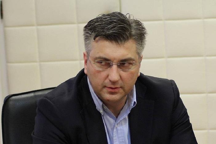 Vlada uspjela podijeliti učitelje, i sindikate... Mihalinec kaže da neće pitati članove što misle