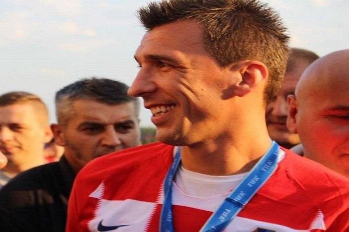 Mario Mandžukić se odrekao mjesečne plaće za ožujak, Milan će ju donirati