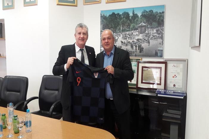 Gradonačelnik održao sastanak s predstavnicima HNS-a na temu uređenja stadiona kraj Save