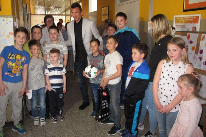 Mario dobrog srca: Mandžukić dodijelio vrijednu donaciju bolnici u Slavonskom brodu