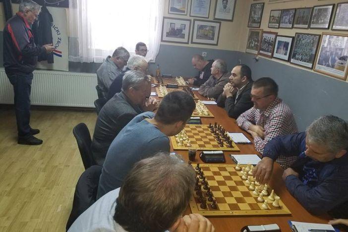 Đuro Đaković II i Posavac zadržali vodeće pozicije u 3. šahovskoj ligi istok
