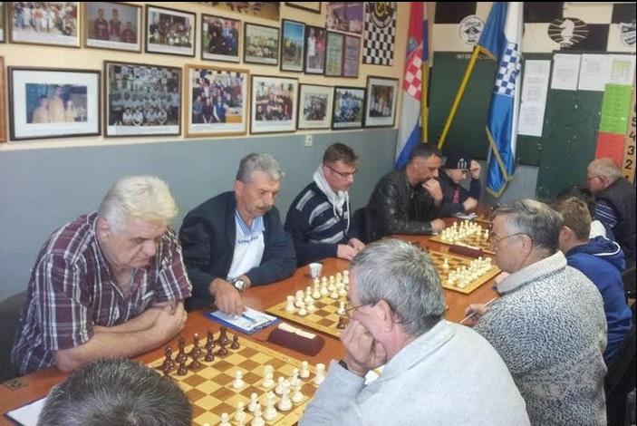 U Ruščici započeo 19. Božićni rejtingirani turnir u šahu