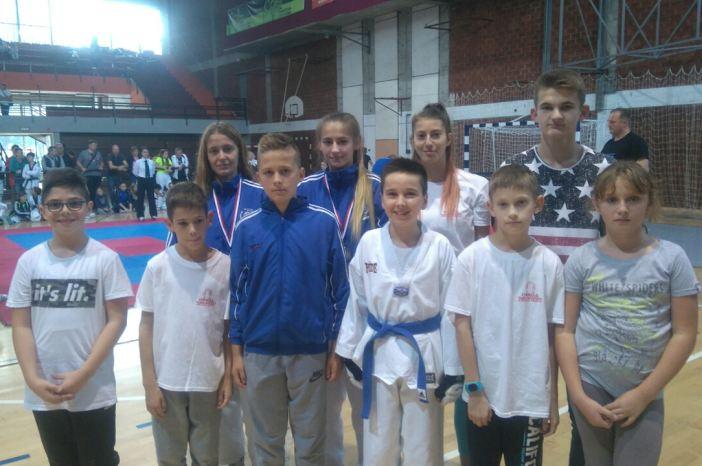 Osam medalja za članove TKD Brod na turniru u Bjelovaru