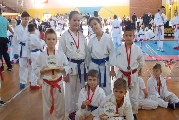 Novogradiški juniorski karatisti poželi nagrade