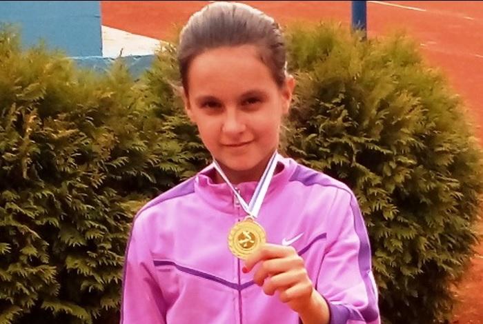 Odlični rezultati mladih brodskih tenisača