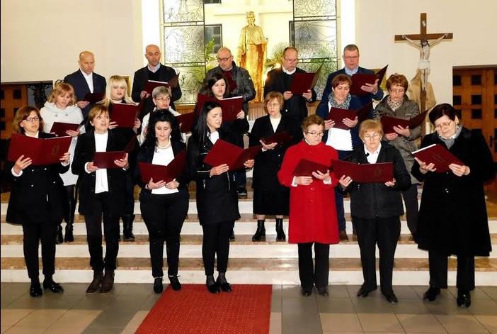 U crkvi Krista Kralja u Brodskom Varošu održan dobrotvorni koncert sakralnih korizmenih skladbi