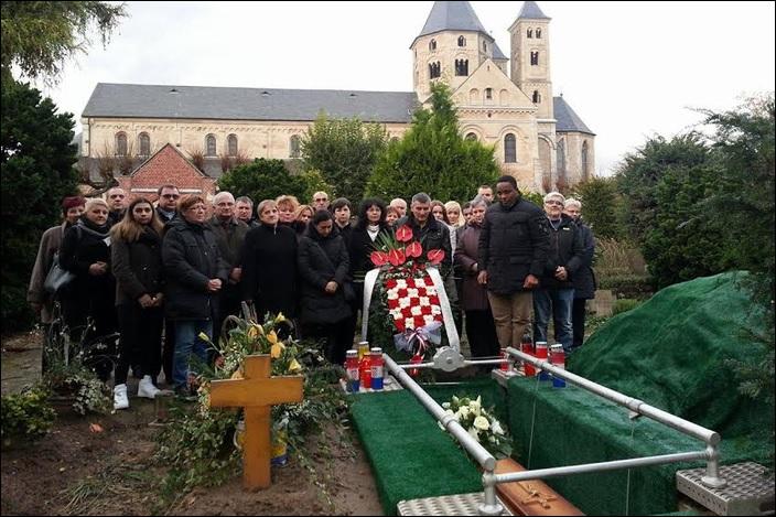 Župljani župe Podvinje na sahrani patera Alberta Thielemeiera u Njemačkoj