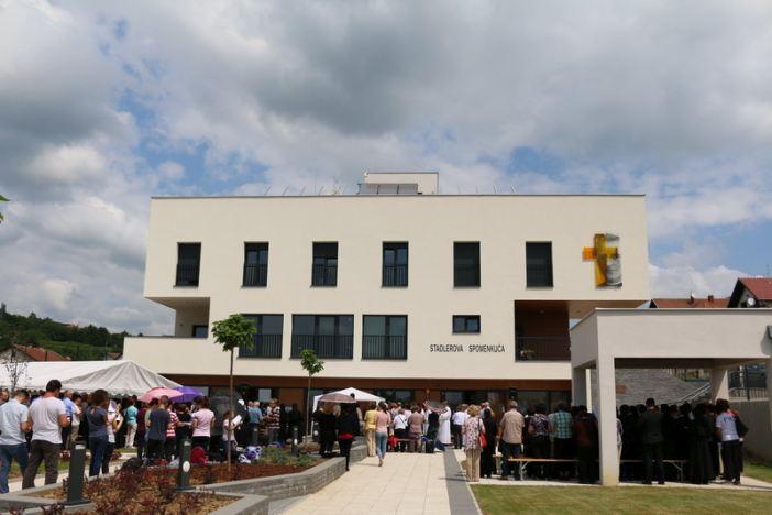 Blagoslovljen i otvoren novoizgrađeni Stadlerov centar