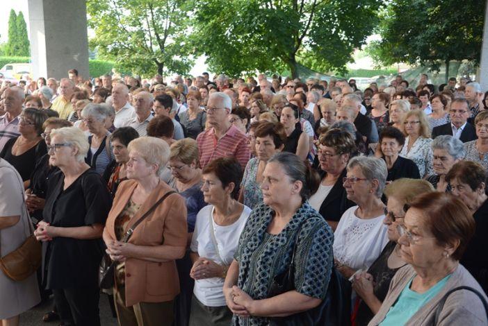 Blagdan sv. Lovre na Gradskom groblju u Slavonskom Brodu